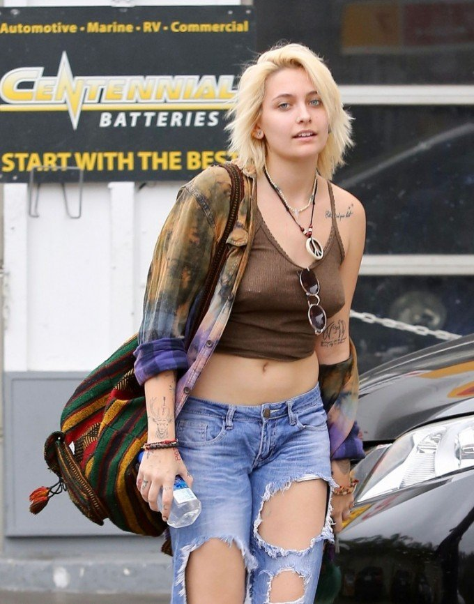 Paris-Jackson braless pierced nipples