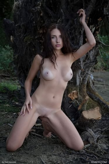 Perfect-naked-girl-Niemira-by-femjoy-photo