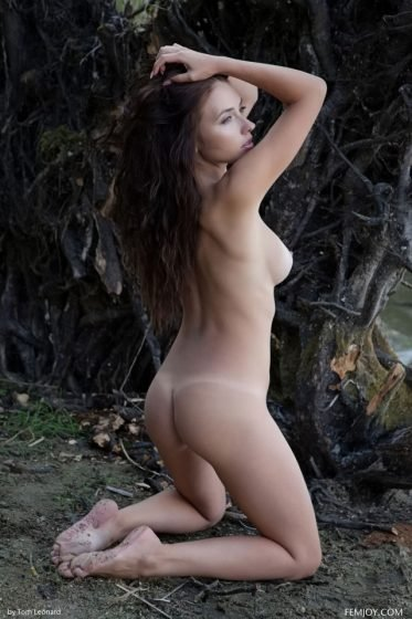 cute girl naked sweet ass pose
