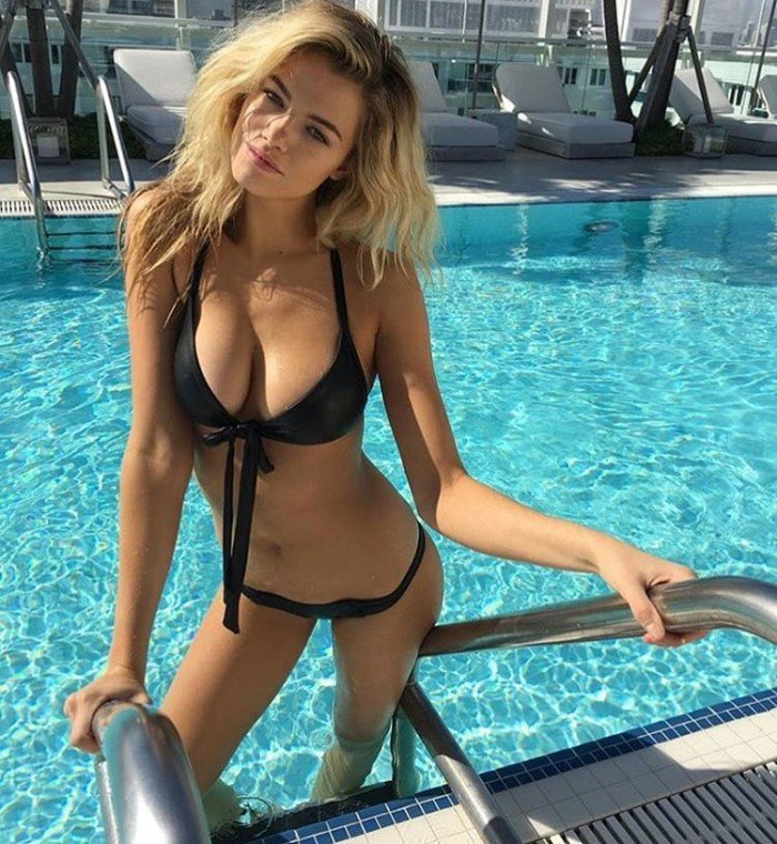 Hot model Hailey Clauson in bikini