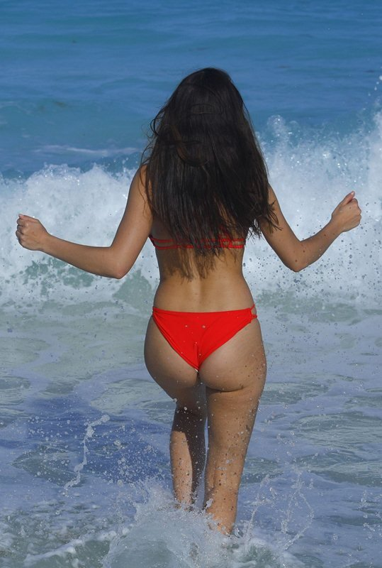 Tao Wickrath ass in thong bikini