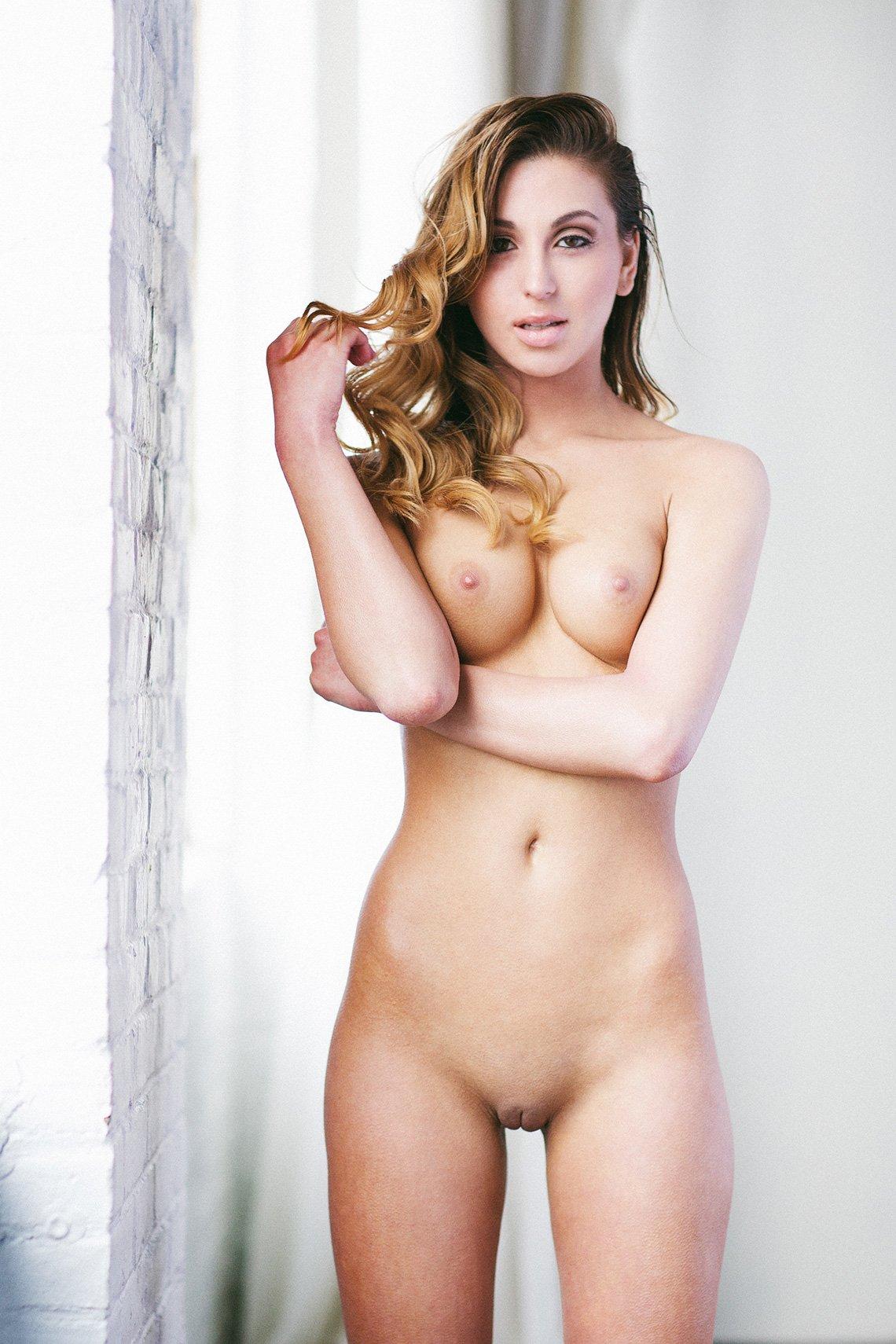 thais vieira nude