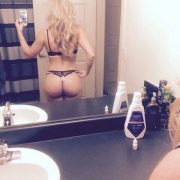sexy ass blonde selfie
