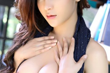 Busty Asian Fatin Braless sexy boobs