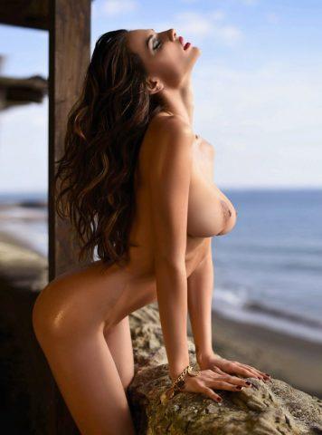 Busty Babe Dayane Mello Nude
