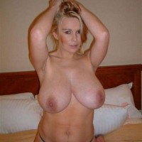 Naked Amateur Busty Wife Kelly from UK (20 photos)