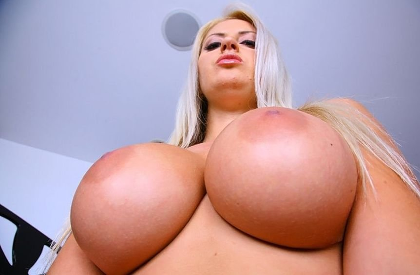 Busty MILF Chantelle Sky boobs naked