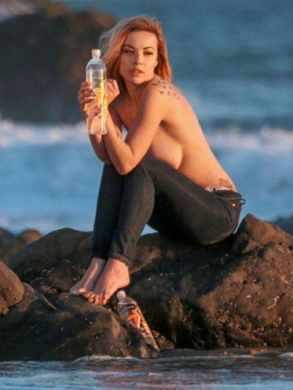 elizabeth-marxs tits topless