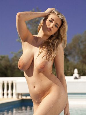 22 Busty Babes Naked Bodies (various photos)
