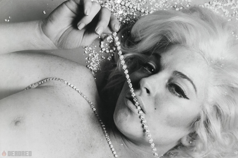 Lindsay Lohan To Strip For Naked Playboy Shoot