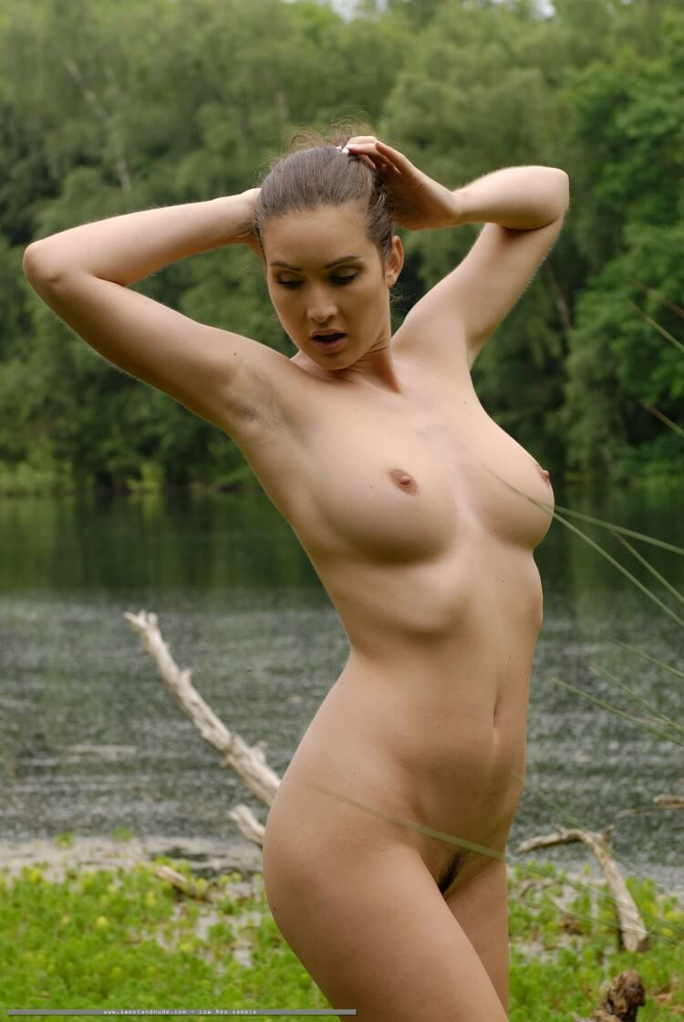 Nature nude