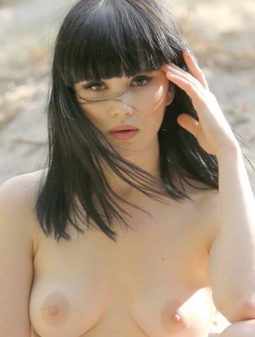 nice-tits-topless-cute-girl