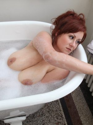 Large Breasts Steffi in Bathtub