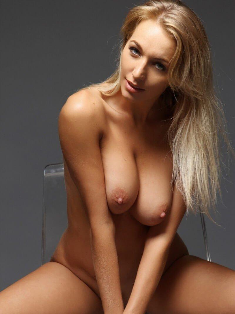 Hayley Marie Nude In Window Light