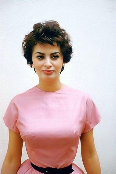 Sofia Loren hot brlaess