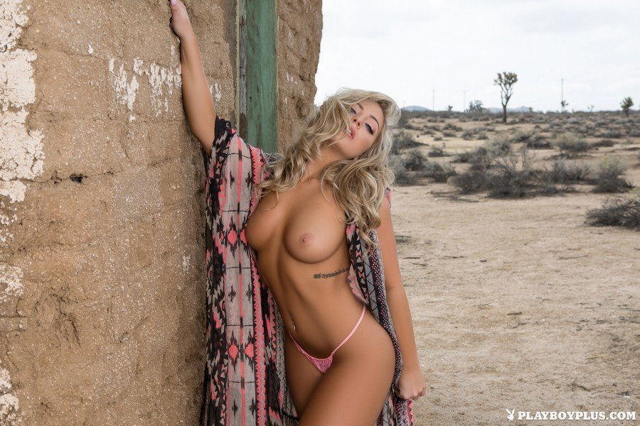 Playboy girl Teya Kaye nude photoshoot 1